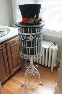 bird cage snowman hat